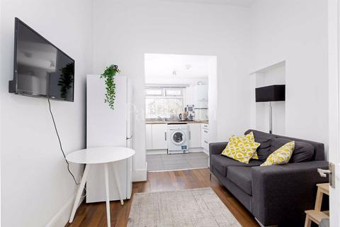 5 bedroom flat to rent - Junction Road, Tufnell Park, London