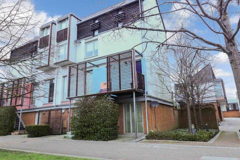 3 bedroom apartment for sale - The Chase, Newhall, Harlow
