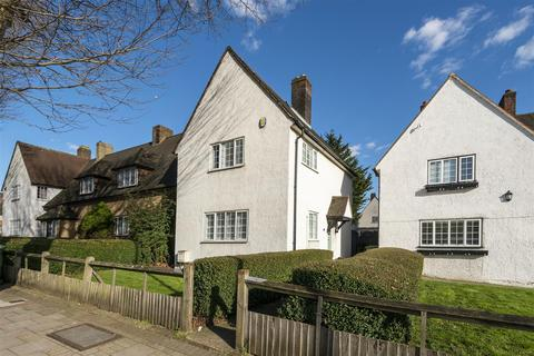 3 bedroom end of terrace house for sale - Well Hall Road, London, SE9