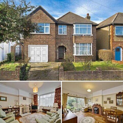 4 bedroom detached house for sale - Douglas Road, Surbiton, Surrey, KT6