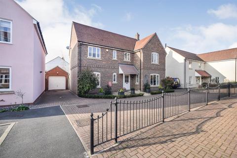 4 bedroom detached house for sale - Rennie Walk, Heybridge