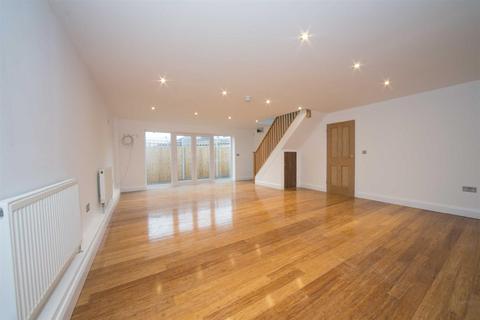 4 bedroom detached bungalow for sale - Poplar Avenue, Luton