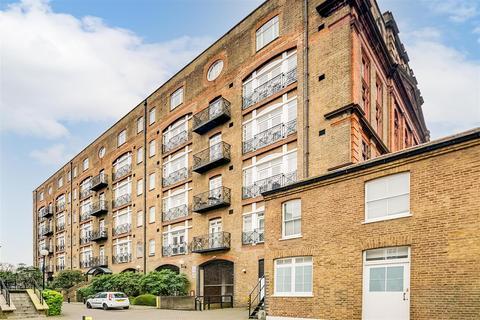 2 bedroom flat for sale - Devonhurst Place, Heathfield Terrace, W4