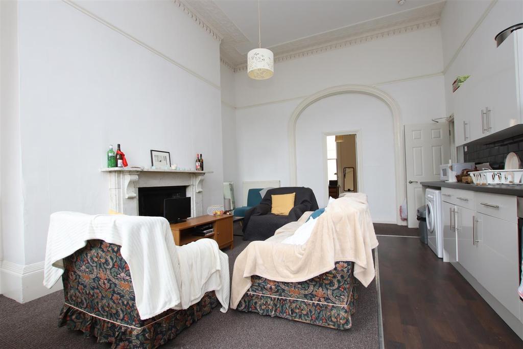 Kitchen living room (2).JPG