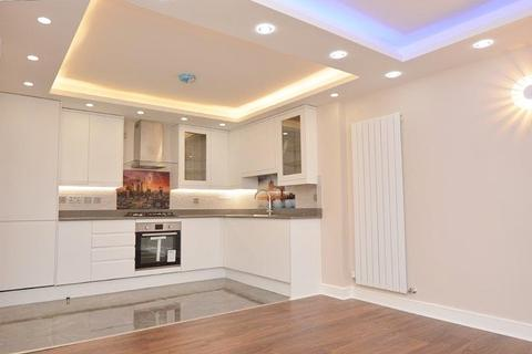 2 bedroom apartment to rent - Freetown House, Umberston Street, London E1