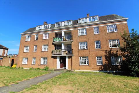 3 bedroom flat to rent - Baker Street, Enfield Town, EN1