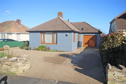 3 bedroom bungalow for sale - Keysworth Avenue, Barton on Sea, New Milton, BH25