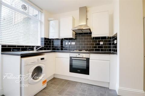 2 bedroom flat to rent - Grove Road, Bow, E3