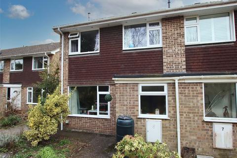 3 bedroom end of terrace house for sale - Howlett Close, Lymington, Hampshire, SO41
