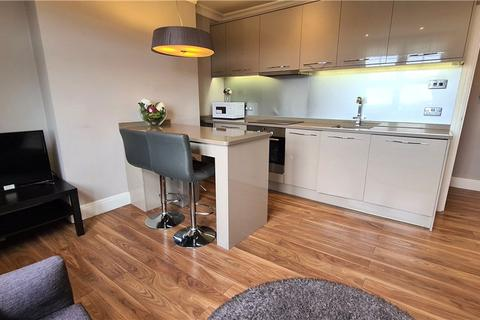 2 bedroom apartment to rent - Askew Road, London, W12