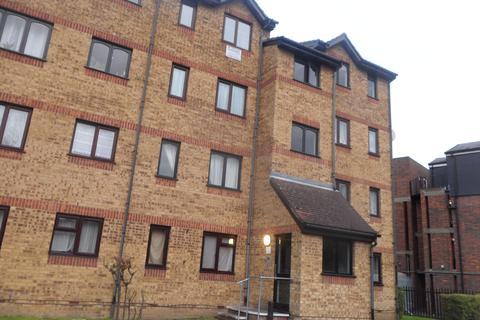 1 bedroom flat to rent - Gartons Close, EN3