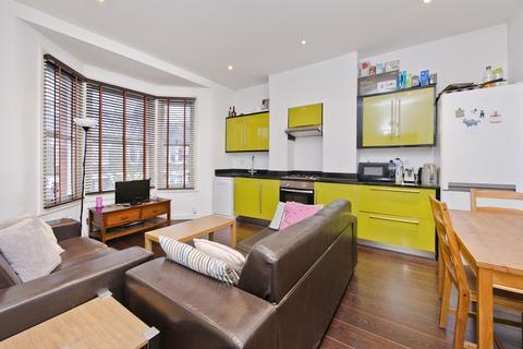 3 bedroom apartment to rent - Eynham Road, London, W12