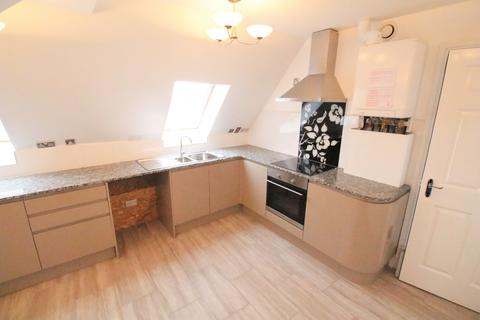 4 bedroom apartment to rent - Sutton Street, London E1