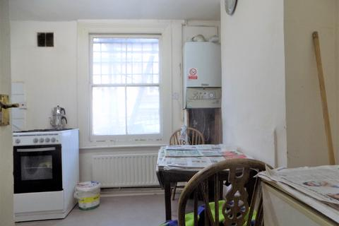 1 bedroom flat share to rent - Graham Road, Hackney Central, London E8