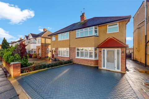 3 bedroom semi-detached house for sale - Melthorne Drive, Ruislip, Middlesex, HA4 0TR
