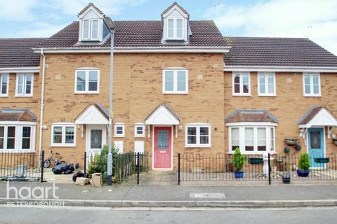 3 bedroom townhouse for sale - Jubilee Way, Peterborough