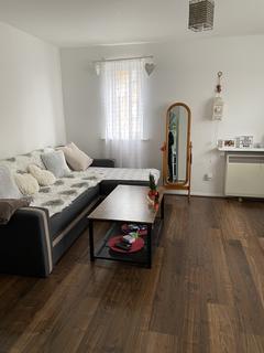 1 bedroom flat to rent - Plowmans close, Edmonton, London N18