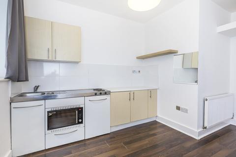 Studio to rent - Carleton Road, Camden, London N7