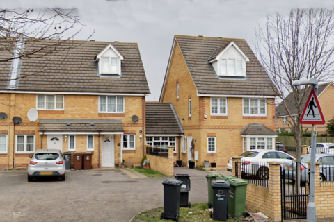 3 bedroom terraced house to rent - Galleons Drive,, Barking, Essex IG11