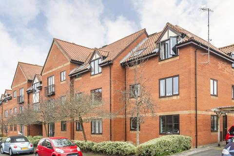 2 bedroom flat to rent - Napier Court, Gefle Close, BS1