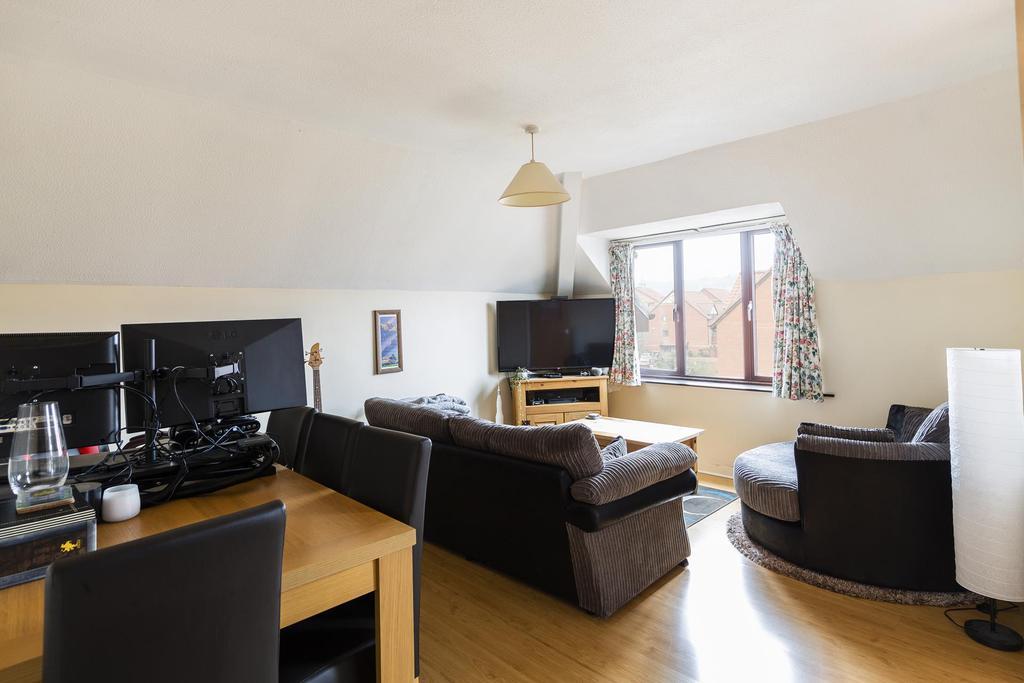 Living room ()