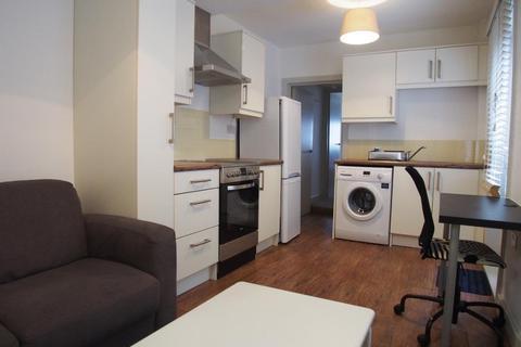 1 bedroom flat to rent - Truro road, Wood green, N22