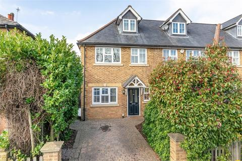 4 bedroom semi-detached house for sale - Molesey Road, Hersham, Surrey