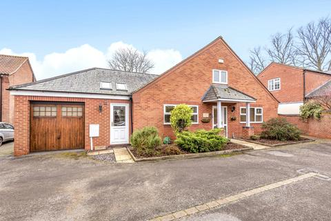 4 bedroom detached bungalow for sale - Gonerby Court, Gonerby Hill Foot, NG31