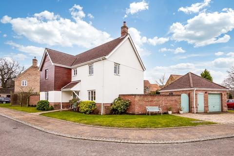 4 bedroom detached house for sale - Yaxham