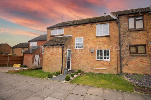 3 bedroom terraced house to rent - Links Way, Luton LU2