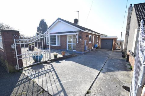 2 bedroom detached bungalow for sale - 66 South View, Kenfig Hill, Bridgend, Bridgend County Borough, CF33 6DG
