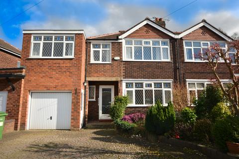 4 bedroom semi-detached house to rent - Shirley Drive, Grappenhall, Warrington