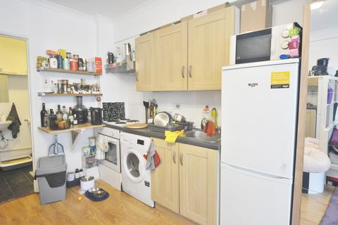 Studio to rent - Hackney Road, London, E2
