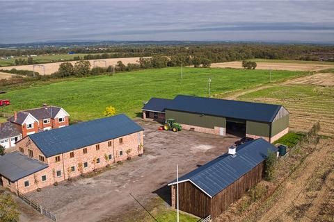 Farm for sale - Astley, Tyldesley, Manchester