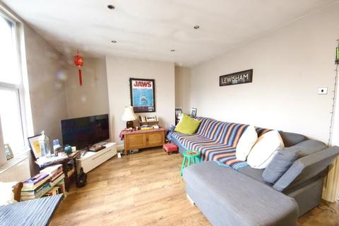 1 bedroom flat to rent - Ladywell Road, London
