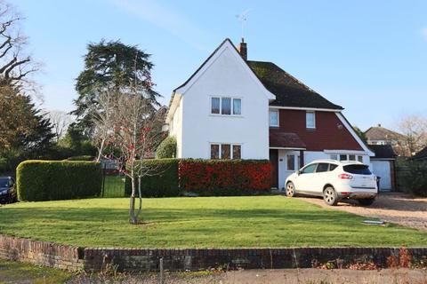 3 bedroom detached house for sale - Mytten Close, Haywards Heath