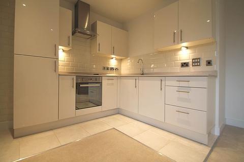 2 bedroom apartment to rent - Parkstone Road , Poole , Dorset