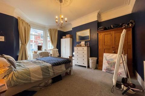 2 bedroom ground floor flat to rent - Ground floor two bed flat, Amble Grove, Newcastle Upon Tyne