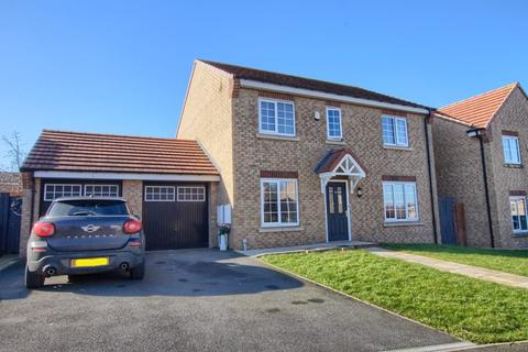 4 bedroom detached house to rent - Buttercup Grove, Stainton