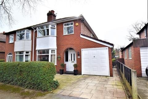 3 bedroom house for sale - Leith Avenue, Sale, M33