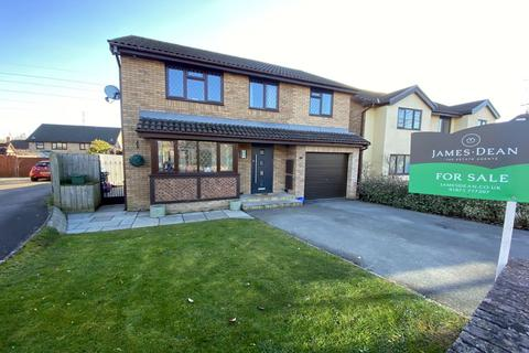 4 bedroom detached house for sale - De Wallingford Close, Ysbytty Fields, Abergavenny, NP7