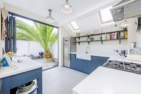2 bedroom flat for sale - Althea Street, Fulham, London, SW6