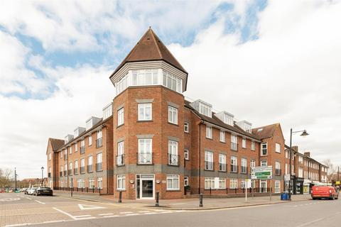 2 bedroom apartment for sale - Station Way, Cheam, Sutton