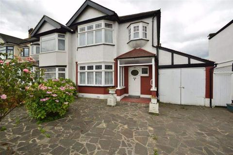 3 bedroom semi-detached house to rent - Eastern Avenue, Redbridge, London