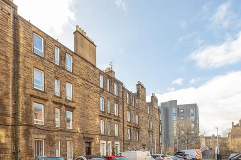 1 bedroom flat for sale - 4/9 (2F1) Albion Terrace, Edinburgh EH7 5QX