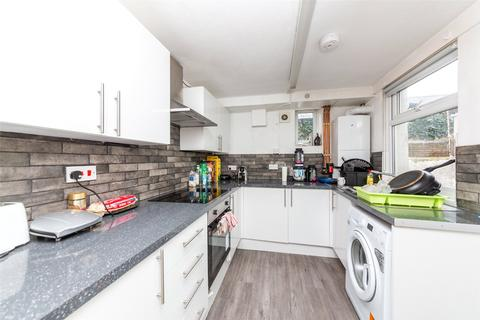 4 bedroom terraced house to rent - Hollingdean Road, Brighton, BN2