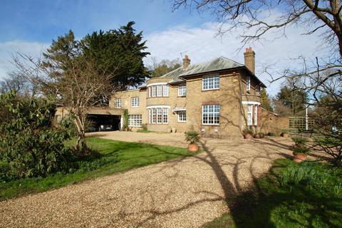5 bedroom detached house for sale - Red Hill, Denham, UB9