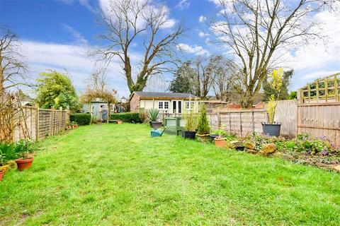 3 bedroom semi-detached house for sale - Charlesfield Road, Horley, Surrey