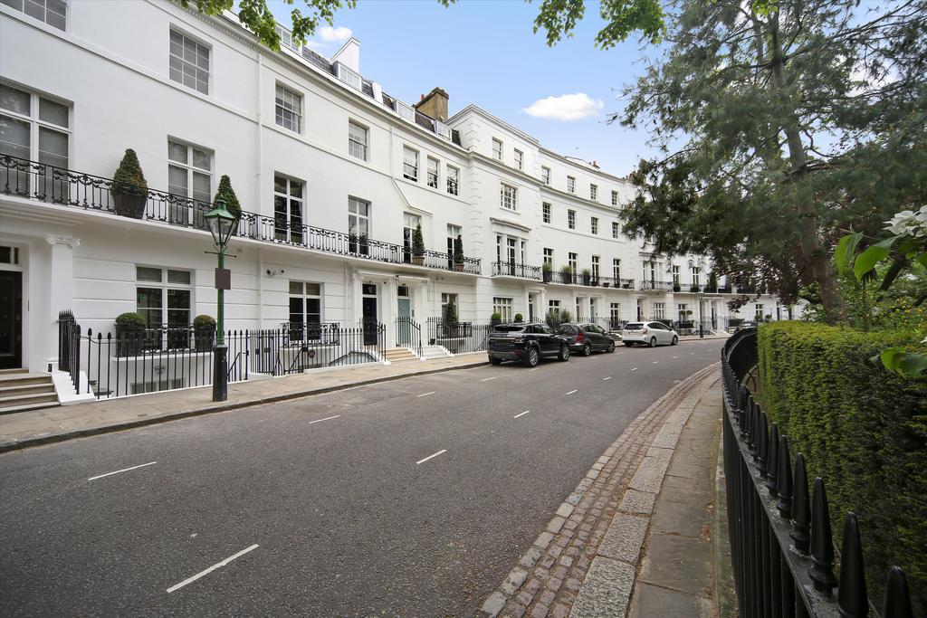 Egerton Crescent terrace house