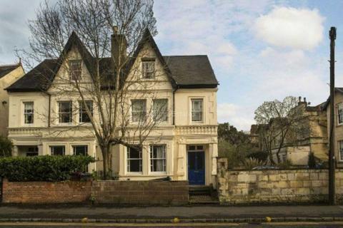6 bedroom semi-detached house to rent - Eldon Road, Reading